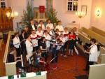 Nacht der Offenen Kirche 2008: der Gesangskreis in der Dorfkirche Heiligensee
